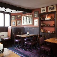 Middle Bar at The Bull & Swan (2)